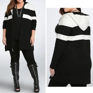 NWT Torrid Black and White Color Blocked Cardigan